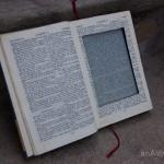 Quando lendo, fica quase imperceptível que se trata de um leitor de livros digital.